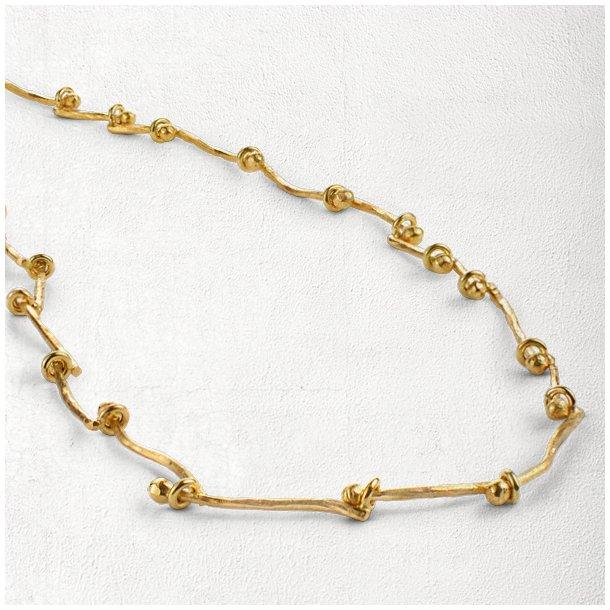Guld halskæde med bevægelige led