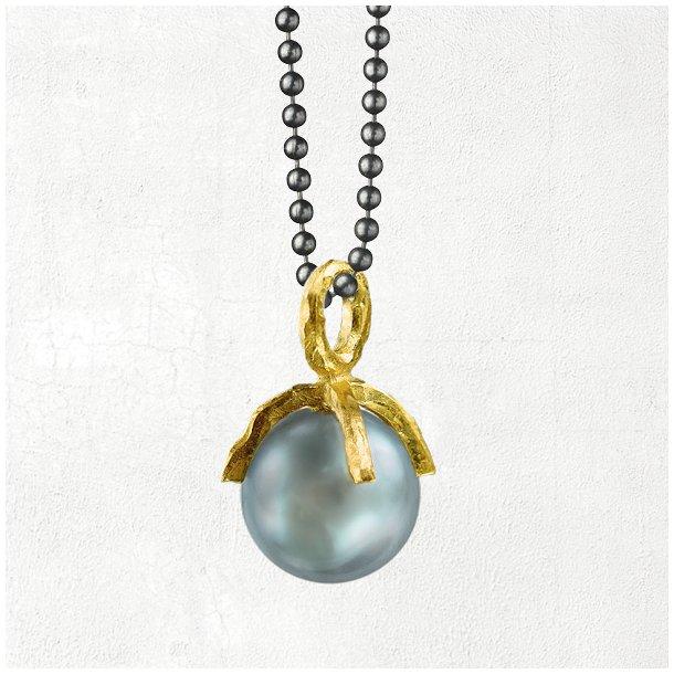 Halskæde med organic øsken/greb og lys Tahiti perle