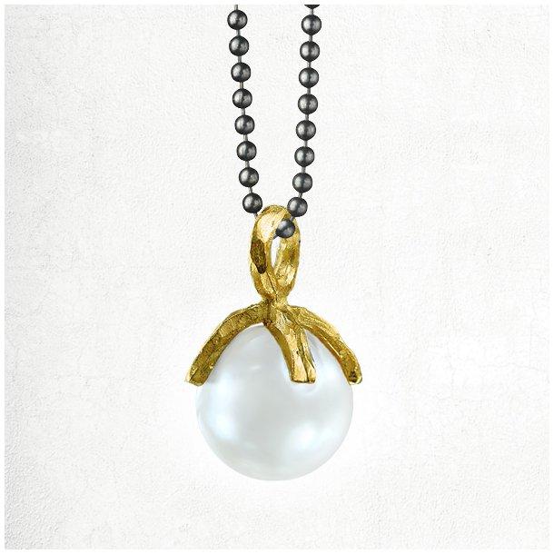 Halskæde med organic øsken/greb og lys South Sea perle
