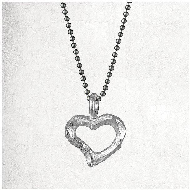 Halskæde med sølv hjerte